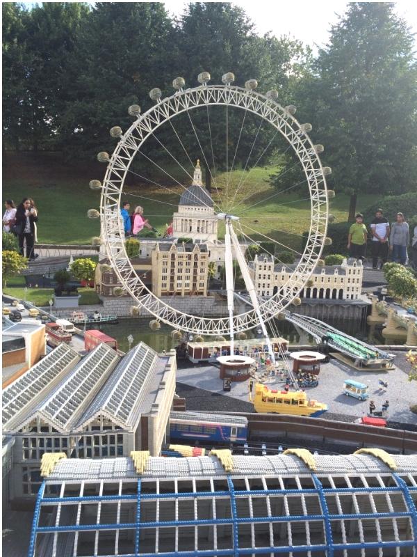 Legoland mini village London Eye model