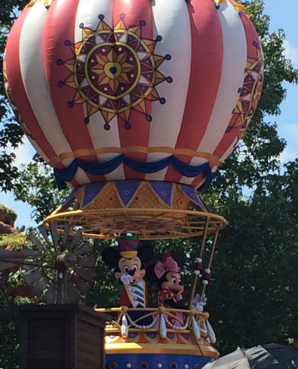 Mickey Mouse Festival Of Fantasy Parade