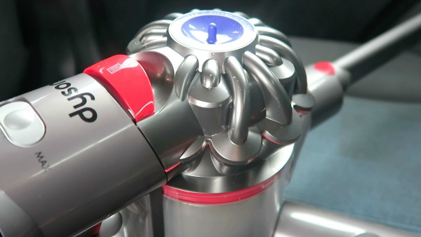 review dyson v8 absolute the life of spicers. Black Bedroom Furniture Sets. Home Design Ideas