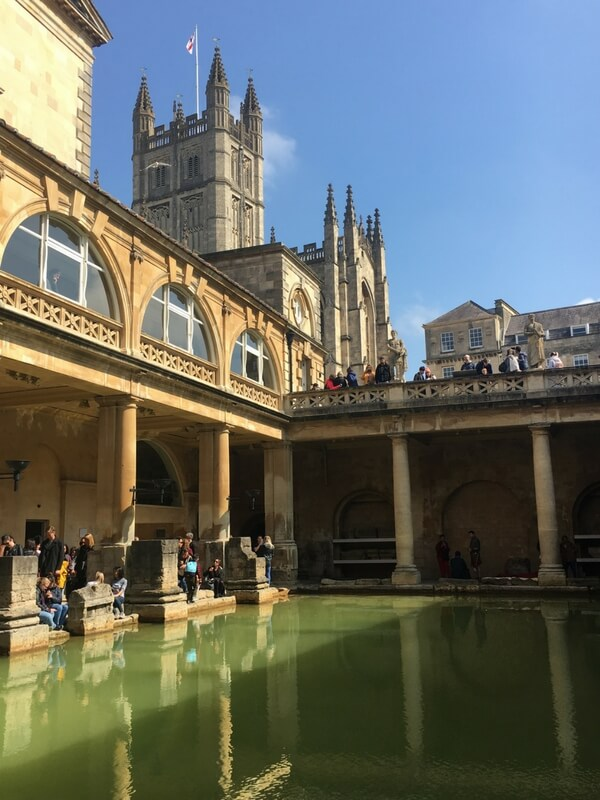 Roman baths with view of Bath Abbey