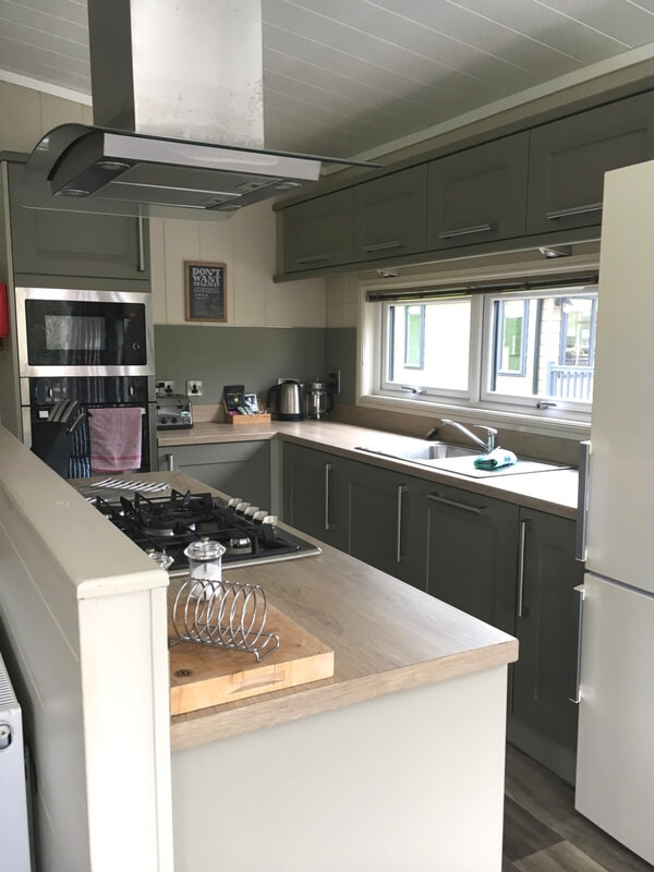 Pemberley Lodge kitchen Bath Mill