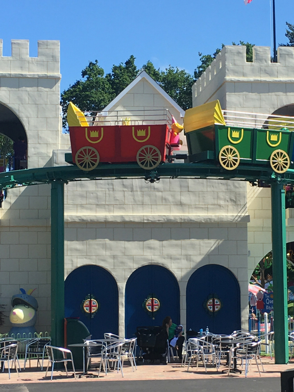 Queen's flying coach ride Peppa Pig World